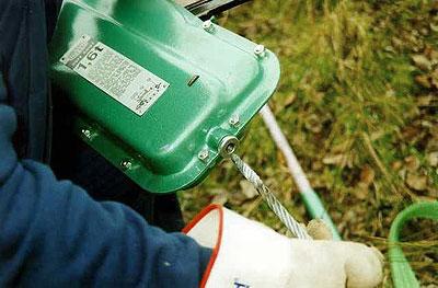 feeding winch cable into brano
