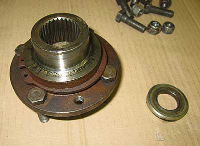 Landroverweb com - Land Rover propshaft and LT230 flange